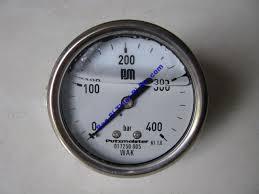 đồng hồ đo áp suất bị chảy dầu